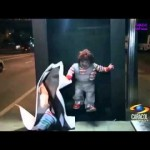 Broma, Chucky ha regresado